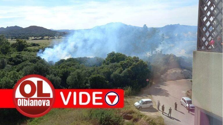 Incendio in zona Bandinu. Intervengono i Vigili del Fuoco