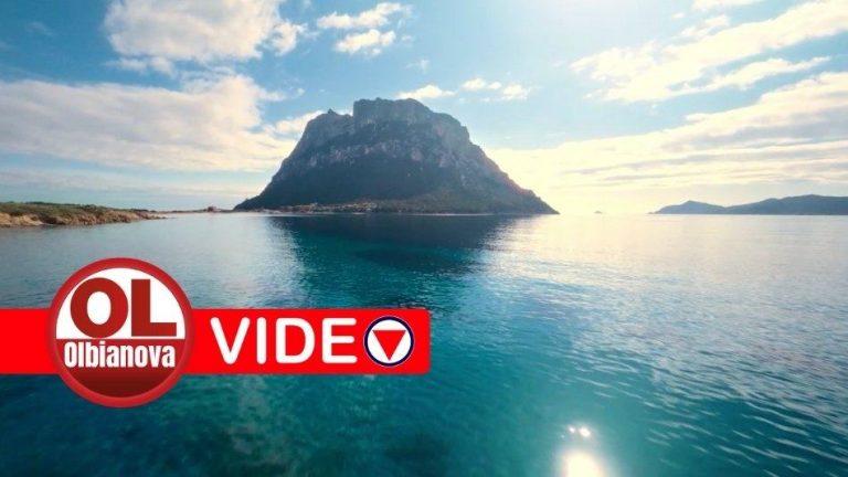"""""""Sicuri di sognare"""". Lo spot della Sardegna con il mare di Olbia protagonista"""